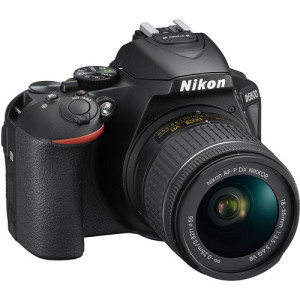 Nikon D5600 with afp 18-55mm vr