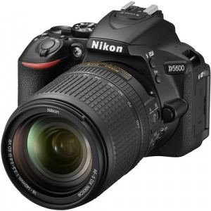 Nikon D5600 with 18-140mm vr